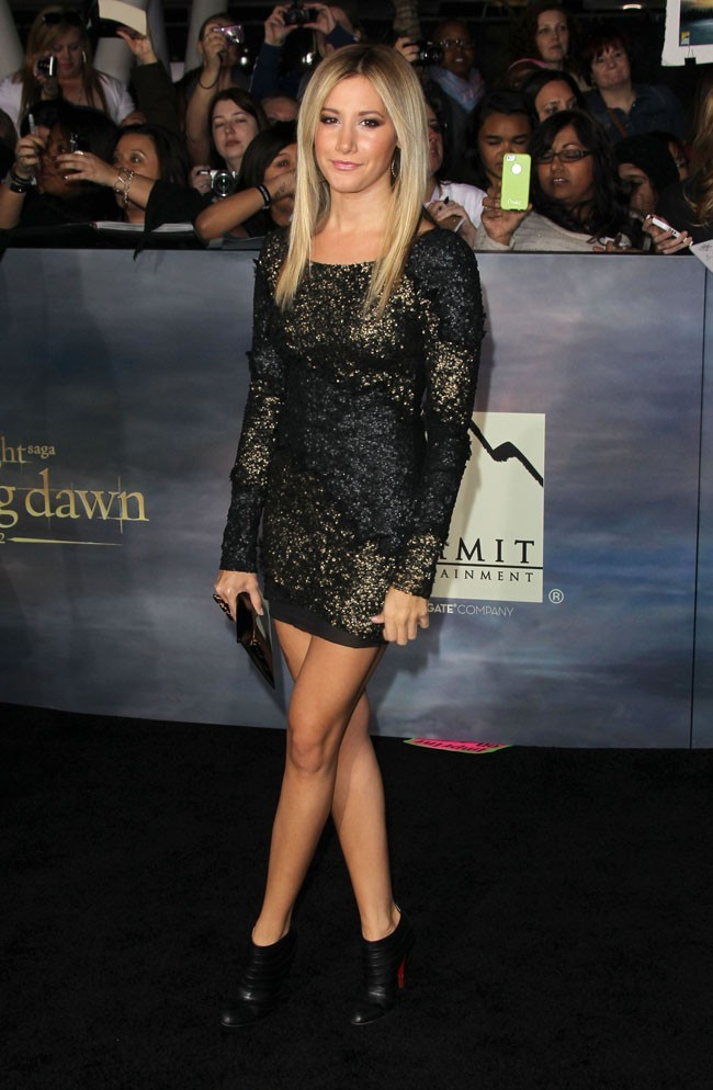 Ashley Tisdale à l'avant-première de Twilight à Los Angeles le 12 novembre 2012