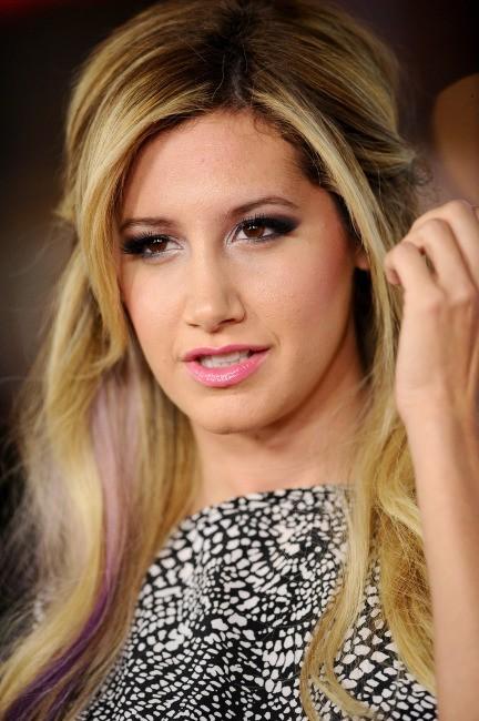 """Ashley Tisdale lors de la première du film """"Safe Haven"""" à Los Angeles, le 5 février 2013."""