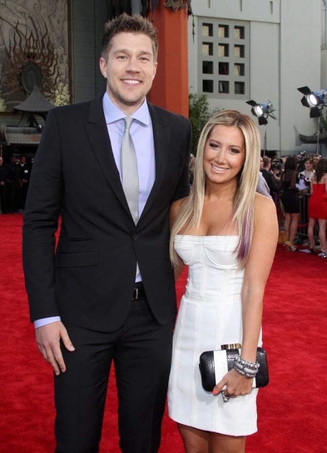 """Ashley Tisdale et Scott Speer lors de la première du film """"Sexy Dance 4"""" à Hollywood, le 17 juillet 2012."""