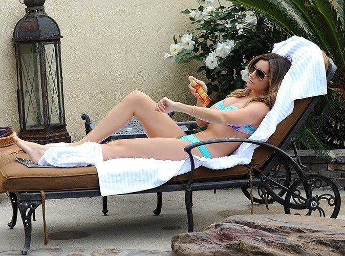 Ashley Tisdale à Los Angeles le 8 mai 2013