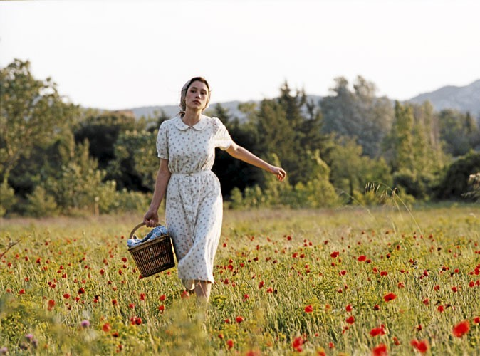 Astrid Bergès-Frisbey dans La fille du puisatier