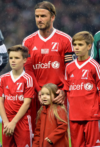 Photos : Attentats de Paris : David Beckham engagé avec ses enfants