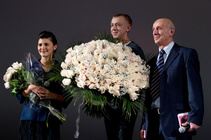 Qui a osé avoir un plus gros bouquet qu'elle ?