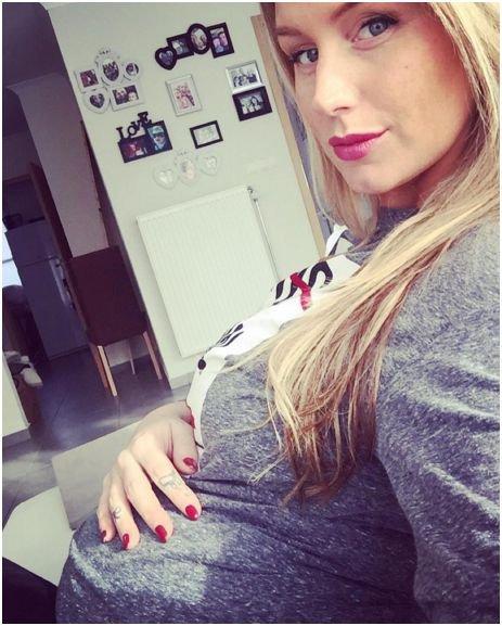 "Photos : Aurélie Van Daelen : future maman ""épuisée"" !"