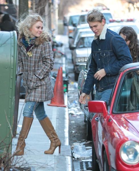 Austin Butler et AnnaSophia Robb le 22 janvier 2013 à New York
