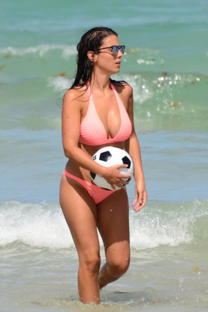 Photos : Bacary et Ludivine Sagna : partie de foot à Miami, bombes anatomiques et ballon rond !
