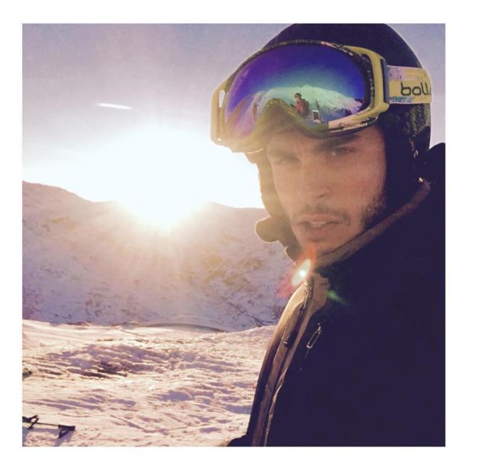 Photos : Baptiste Giabiconi : Attention, homme sexy sur les pistes !