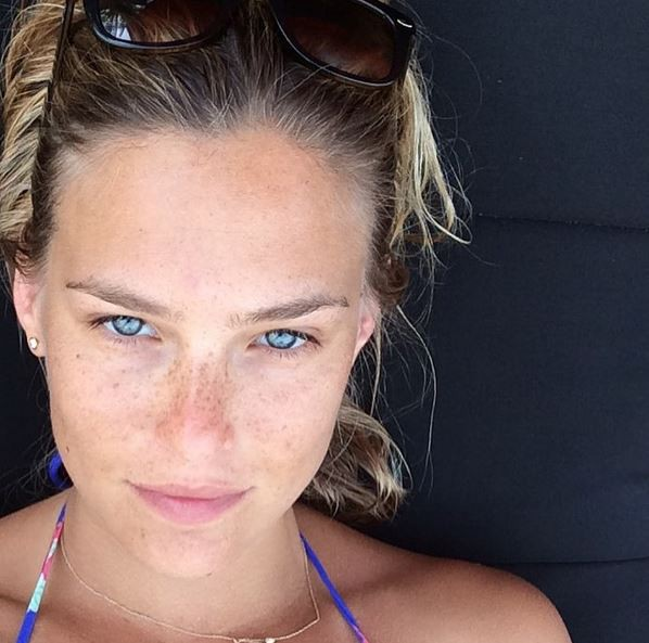 Bar Refaeli aux Maldives