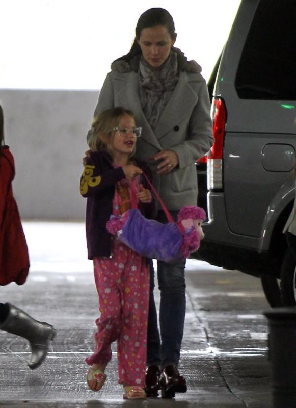 Jennifer Garner et Violet le 1er décembre 2012 à Westwood