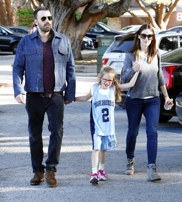 Ben Affleck et Jennifer Garner à la sortie du cours de basket de Violet