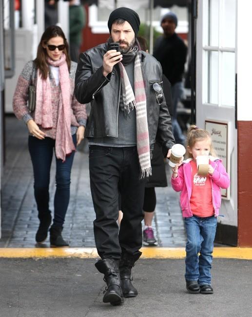 Ben Affleck, Jennifer Garner et Seraphina, Brentwood, 8 février 2013.