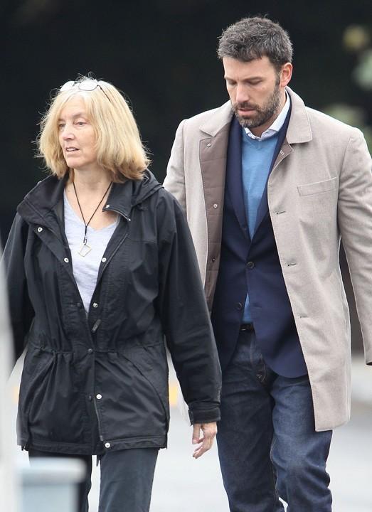 Ben Affleck à Brentwood en famille le 28 novembre 2012