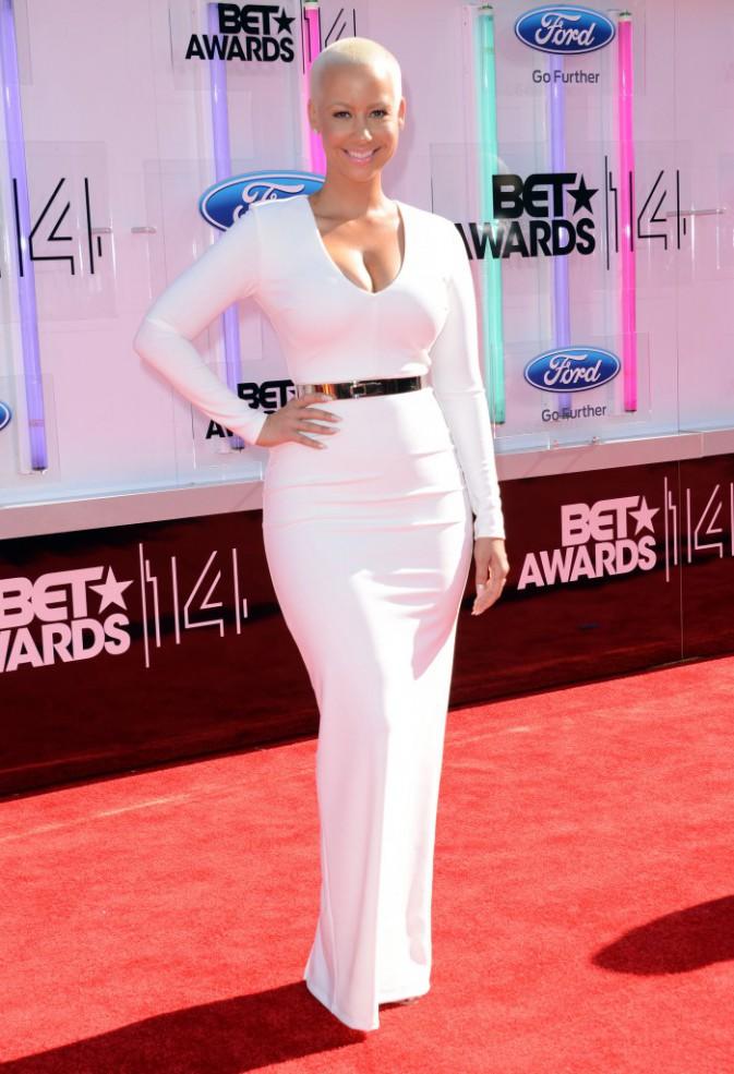 Photos : BET Awards 2014 : Paris Hilton, Amber Rose et Courtney Love : du gros décolleté et de doux baisers échangés !