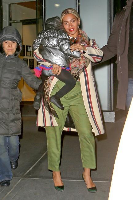 Beyoncé et sa fille Blue Ivy à New York, le 16 janvier 2014.