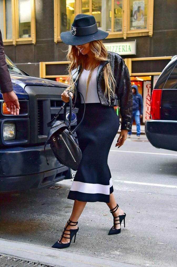 Photos : Beyoncé : canon en Victoria Beckham, un duo inédit avec Chris Brown dévoilé !