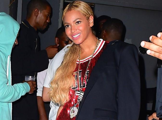 Beyoncé : déjà rentrée d'Haïti, elle ressort les paillettes pour Jay-Z !