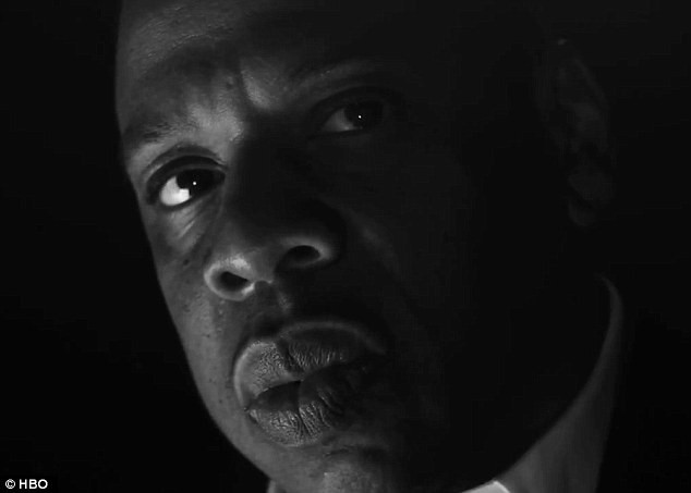 Jay Z dans le trailer de pré-diffusion du concert On the Run Tour.