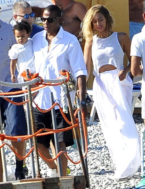 Jay-Z en mode papa poule pour des vacances en famille