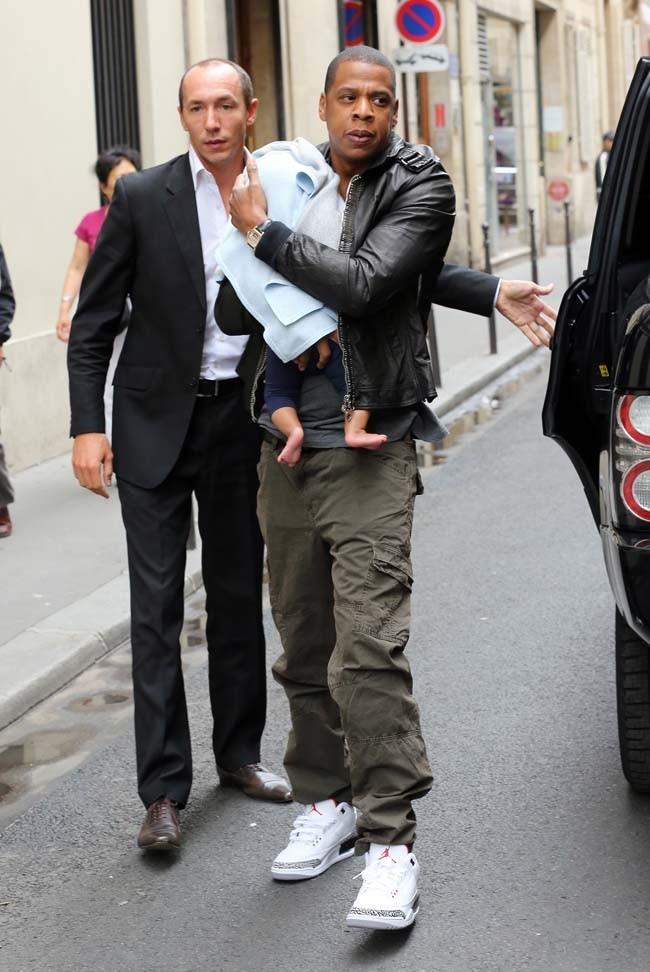 Jay-Z et Blue Ivy le 4 juin 2012 à Paris