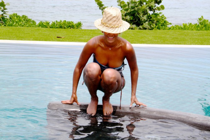 Photos : Beyoncé : la diva fait trempette et s'affiche toujours aussi sexy en bikini !