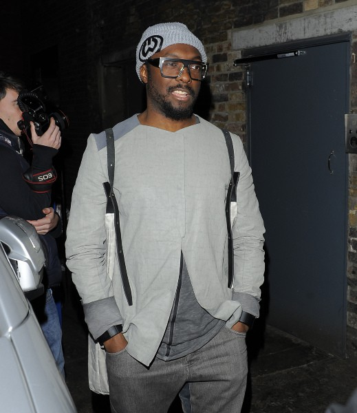 Will.i.am à la sortie de l'Arts Club à Londres, le 6 mars 2014.