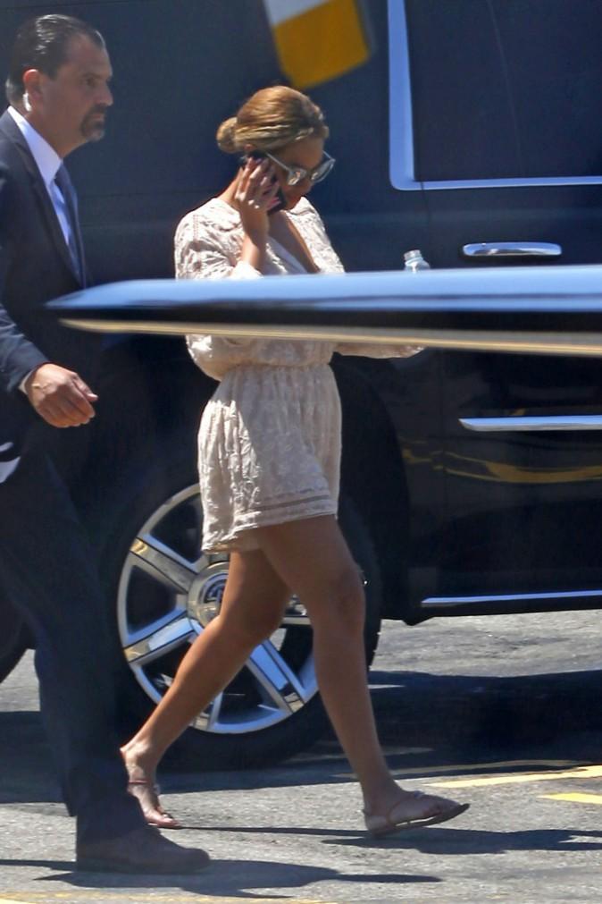 "Photos : Beyoncé : ""too busy"" la sexy businesswoman !"
