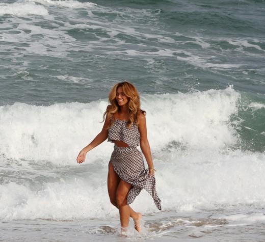Photos : Beyoncé : ultra-sexy en lingerie et amoureuse comme au premier jour de Jay-Z !