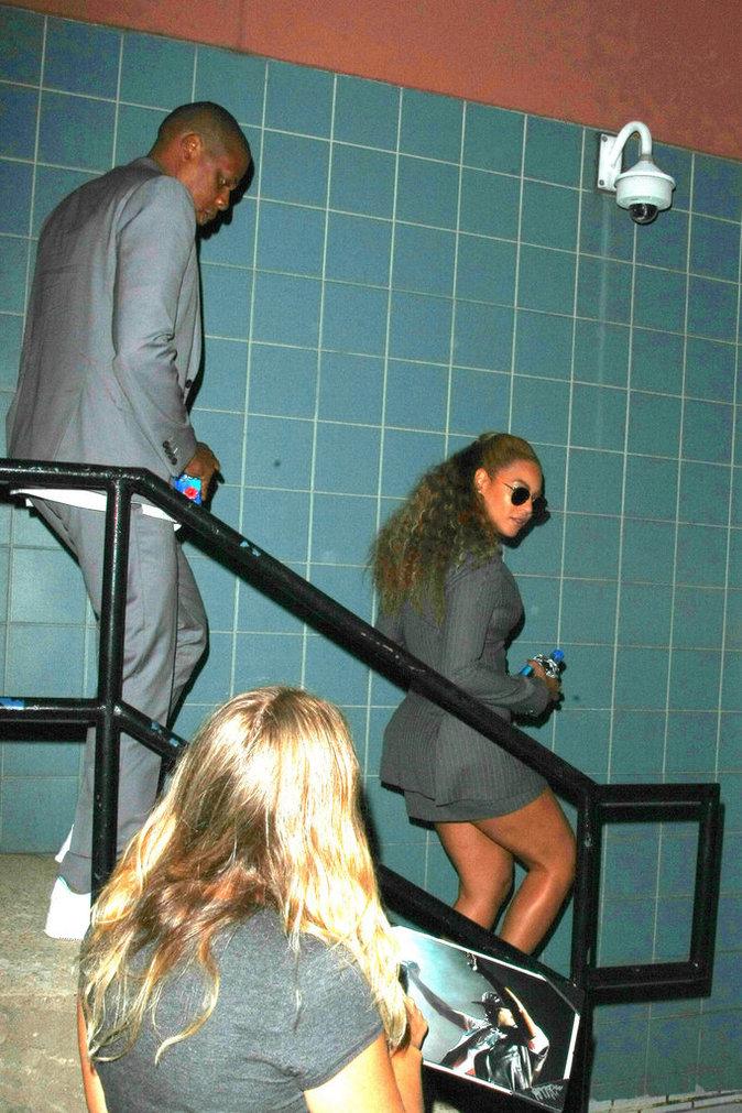 Photos : Beyoncé : un homme l'approche de trop près, Jay-Z intervient !