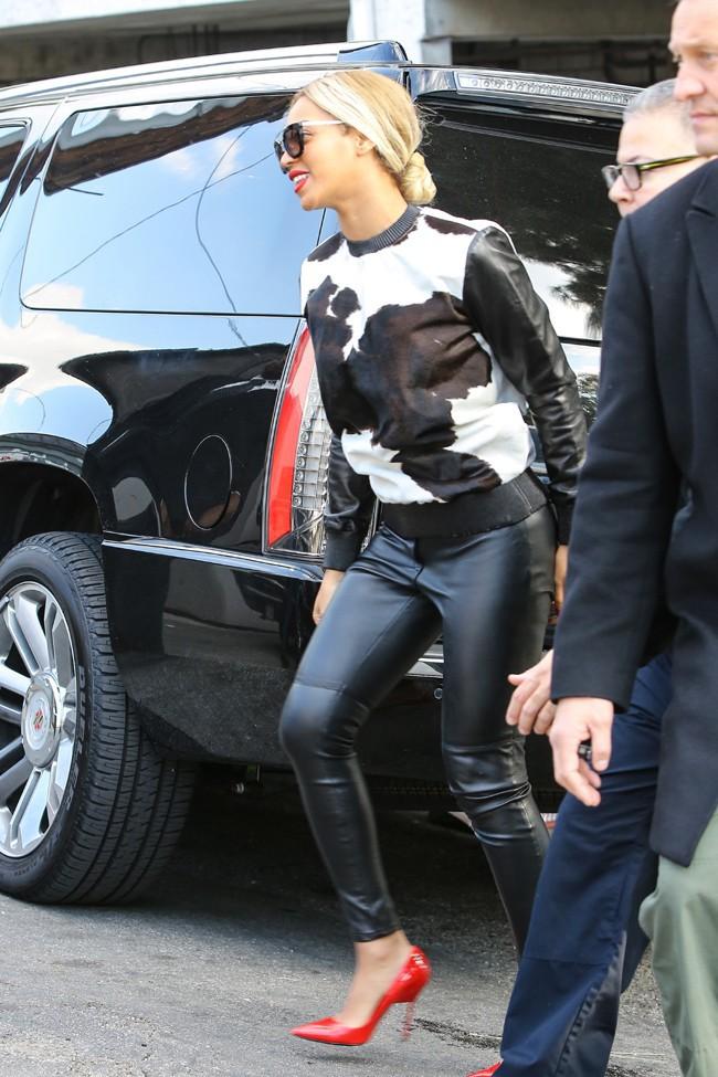 Beyoncé à West Hollywood le 6 décembre 2013