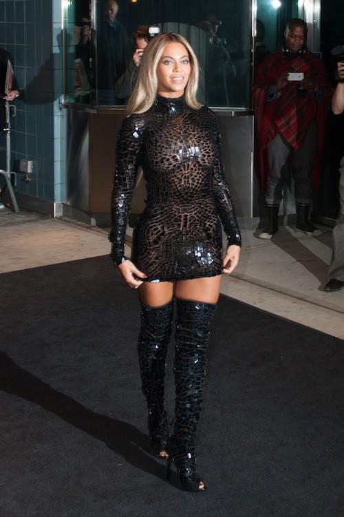 Photos : Beyoncé vs Naomi Campbell : qui porte le mieux la robe mosaïque ?