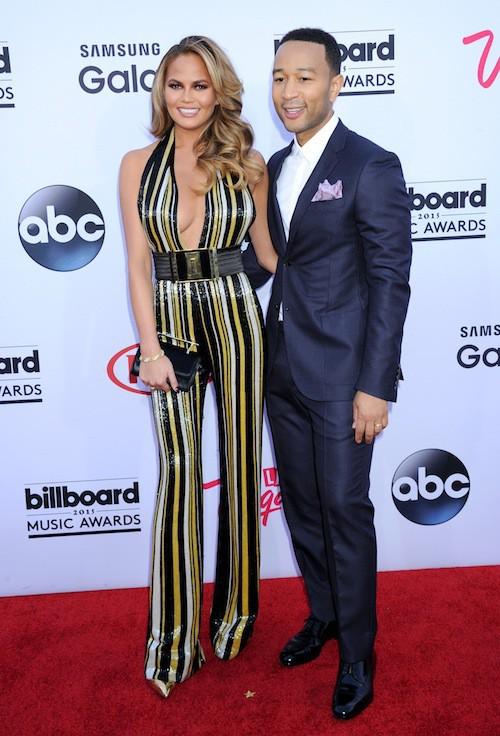 Photos : Billboard Music Awards 2015 : Chrissy Teigen, jamais sans John Legend et ses décolletés !