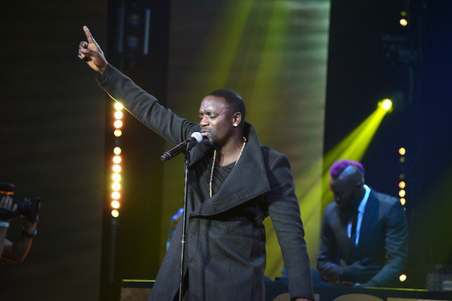 Akon à la soirée Trace Urban Music Awards, à Paris le 22 octobre 2014