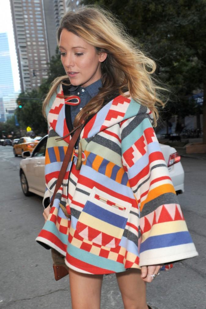 Photos : Blake Lively : maman enceinte pétillante et colorée, en virée shopping pour le futur bébé !