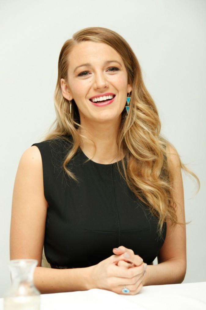 Blake Lively : maman radieuse pour la promo du film