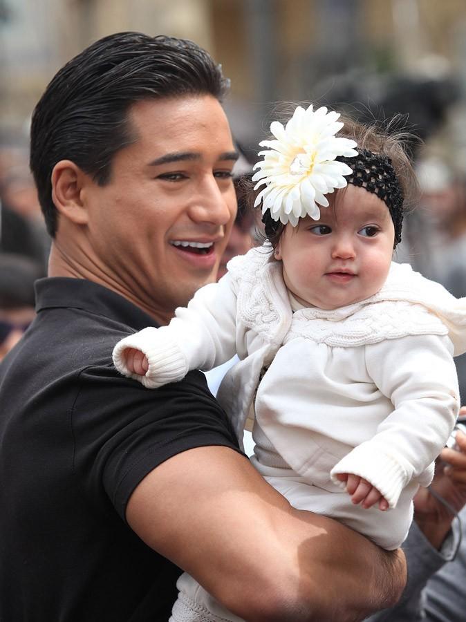 Pour Mario, sa fille est une jolie fleur !