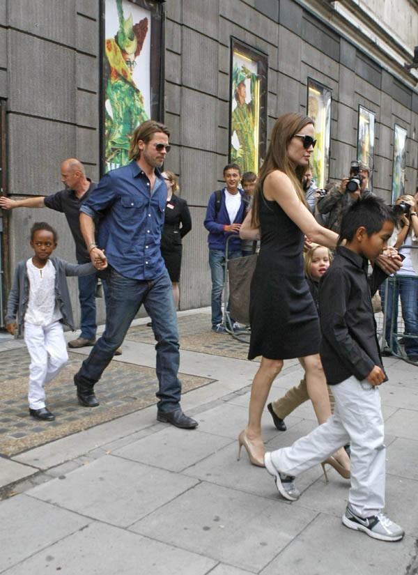Toute la tribu est à Londres pour le tournage de Brad Pitt...