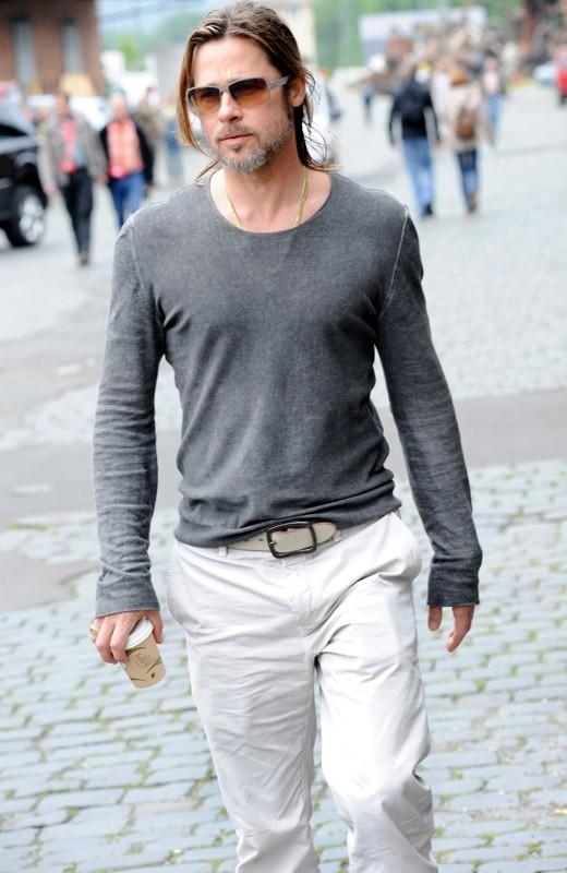 Brad Pitt, grisonnant mais tellement séduisant !