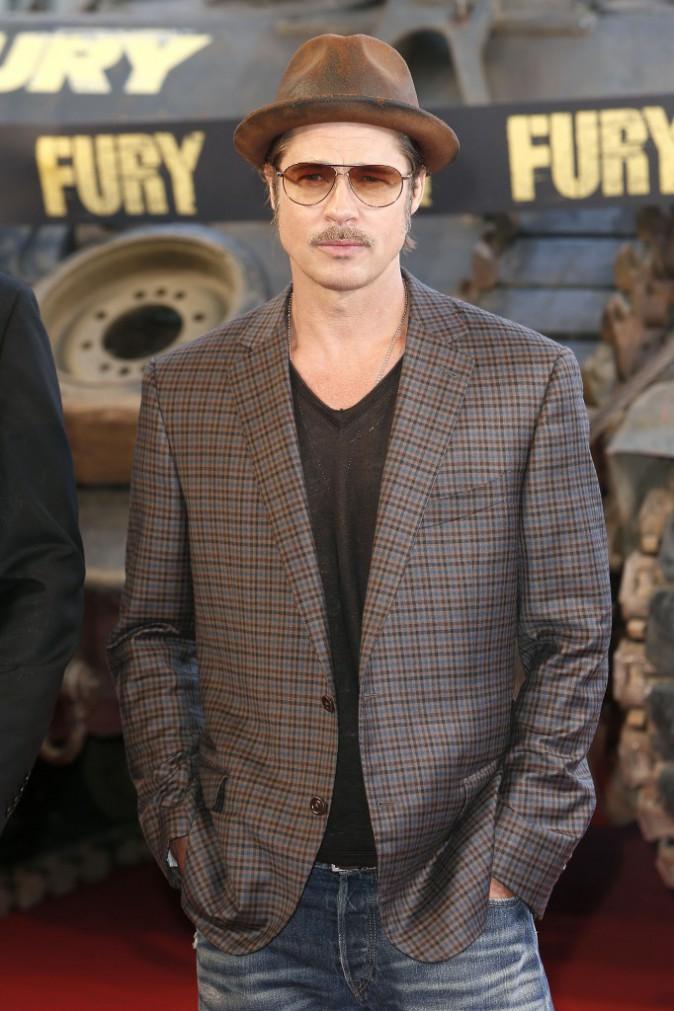 """Photos : Brad Pitt : il prend ses quartiers aux Invalides pour la première de """"Fury"""" !"""