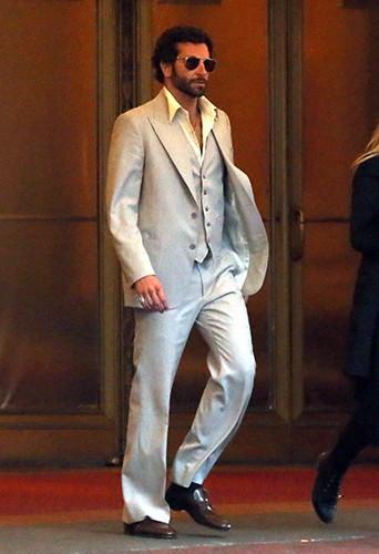 Photos : Bradley Cooper : métamorphosé sur le tournage de son dernier film !