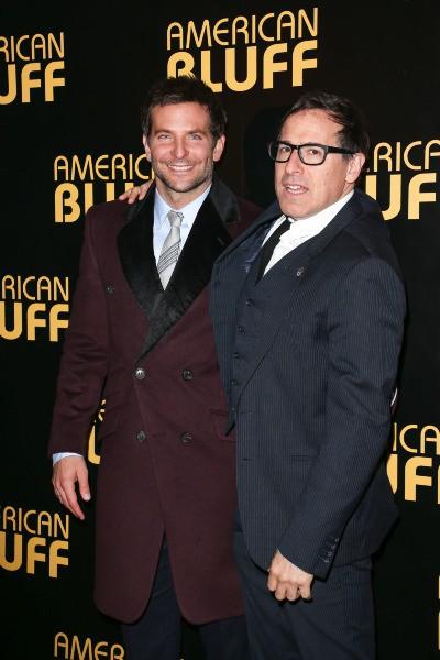 Bradley Cooper et David O. Russel lors de la première du film American Bluff à Paris, le 3 février 2014.