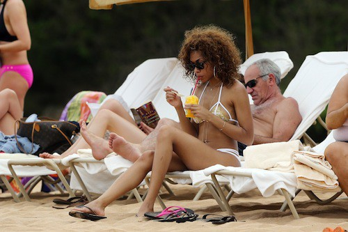 Photos : Bria Murphy : nouvelle session plage en tout petit bikini pour la fille d'Eddy Murphy !
