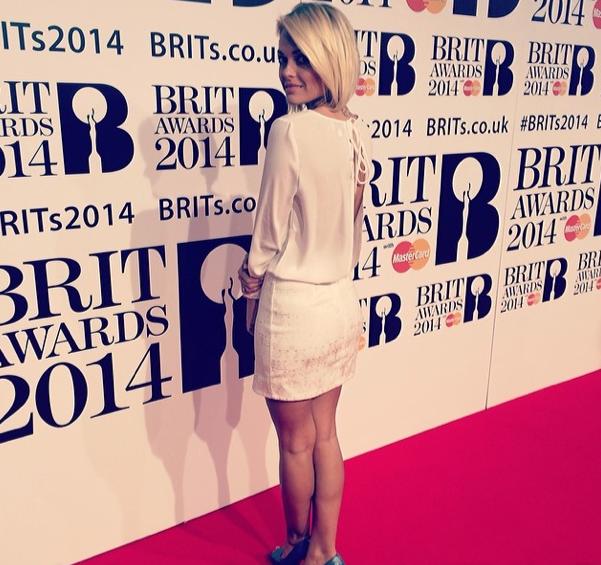 Photos : Brit Awards 2014 : Caroline Receveur : renversante sur le red carpet !