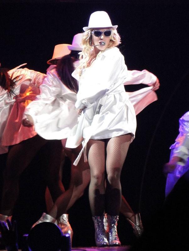 Britney habillée ...