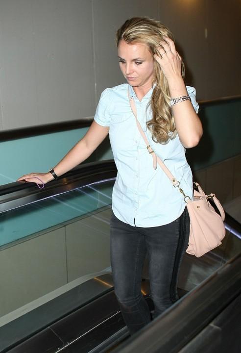 Britney Spears à son départ de Los Angeles le 28 mars 2013