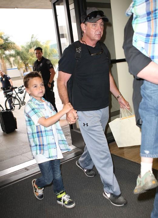 Le père de Britney Spears à l'aéroport de Los Angeles le 28 mars 2013
