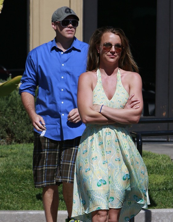 Britney Spears et son nouveau boyfriend à Thousand Oaks le 13 mars 2013