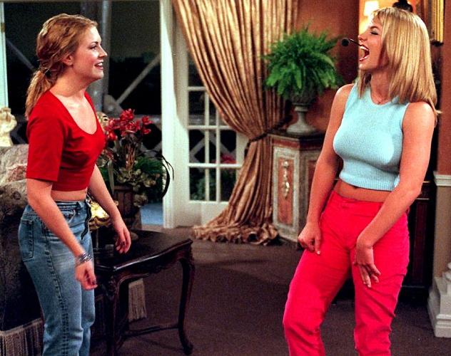 """Photos : Britney Spears et Melissa Joan Hart : réunies 16 ans après leur épisode de """"Sabrina l'Apprentie Sorcière"""" !"""