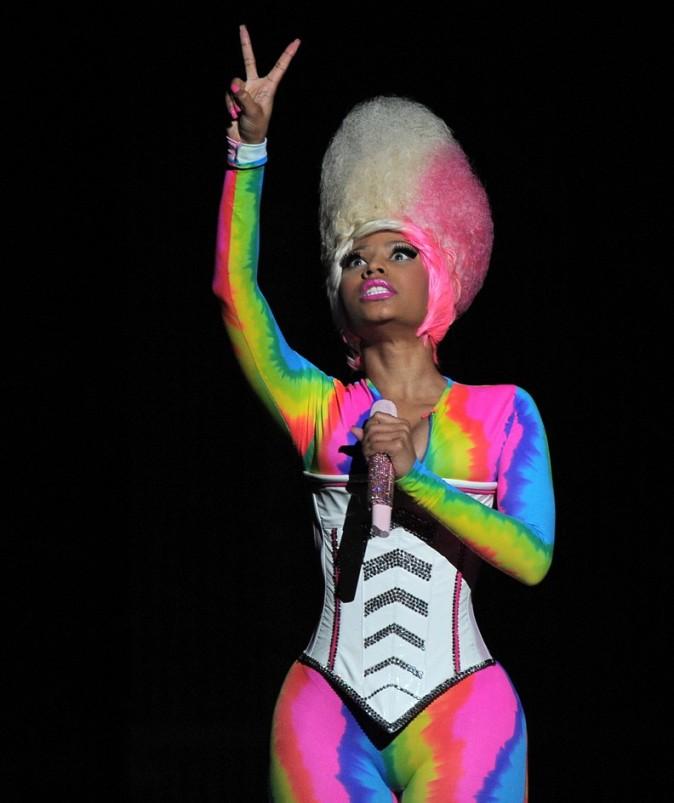 Impossible de louper Nicki, même dans le noir !