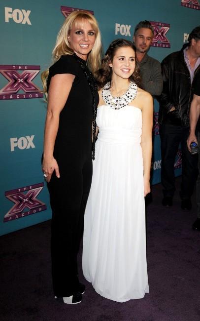 Britney Spears et sa protégée dans X Factor, Carly Rose Sonenclar, le 19 décembre 2012 à Los Angeles