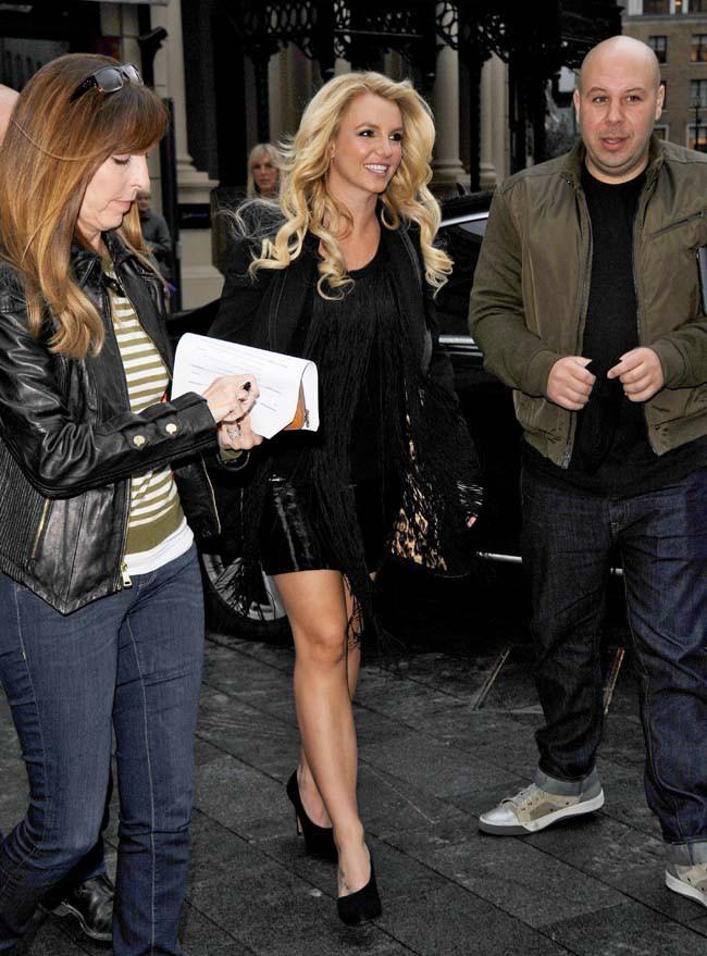 Britney Spears à son arrivée aux studios de la radio Capital FM à Londres le 14 octobre 2013